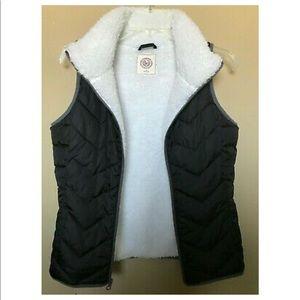 SO- Black Zip Puffer Vest Soft White Fur Lining
